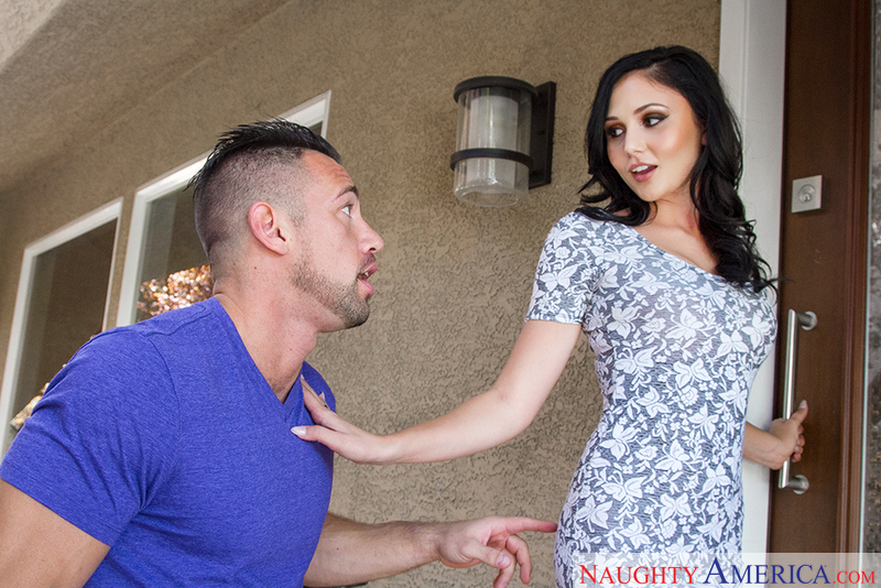 Ariana Marie and Johnny Castle in myfriendshotgirl