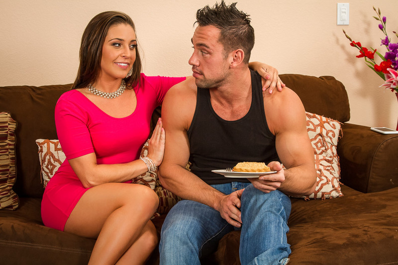 Gracie Glam and Johnny Castle in myfriendshotgirl