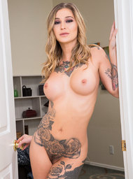 Kleio Valentien and Ryan Driller in myfriendshotgirl - Centerfold