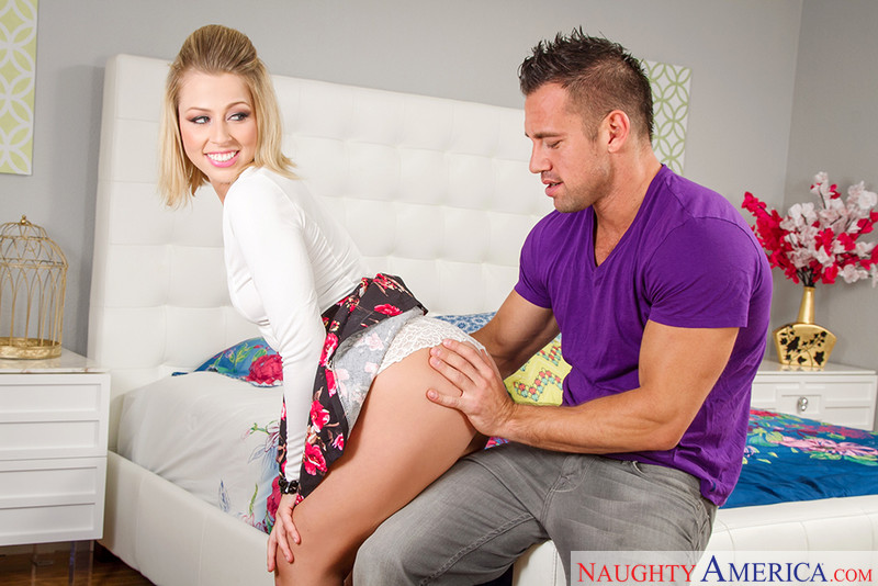 Zoey Monroe and Johnny Castle in myfriendshotgirl