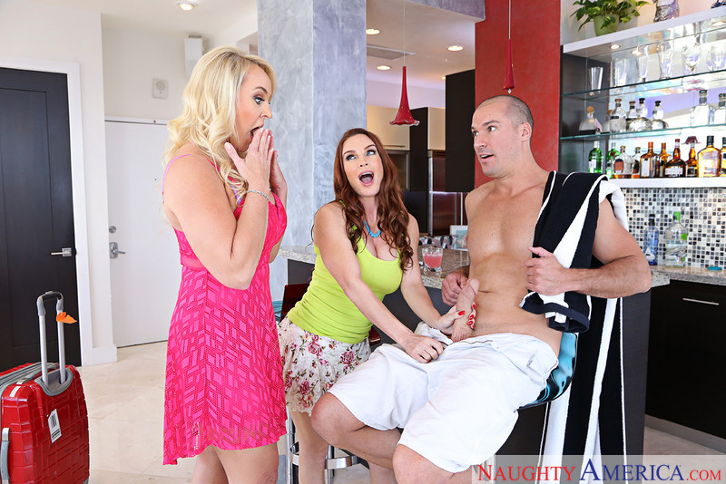 Alexis Golden andamp; Diamond Foxxx andamp; Sean Lawless in myfriendshotmom