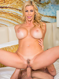 Alexis Fawx and Van Wylde in myfriendshotmom - Centerfold