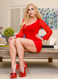 Amber Lynn andamp; Buddy Hollywood in myfriendshotmom - Centerfold