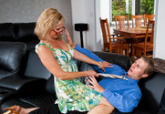 Annabelle Brady in myfriendshotmom - Sex Position 2