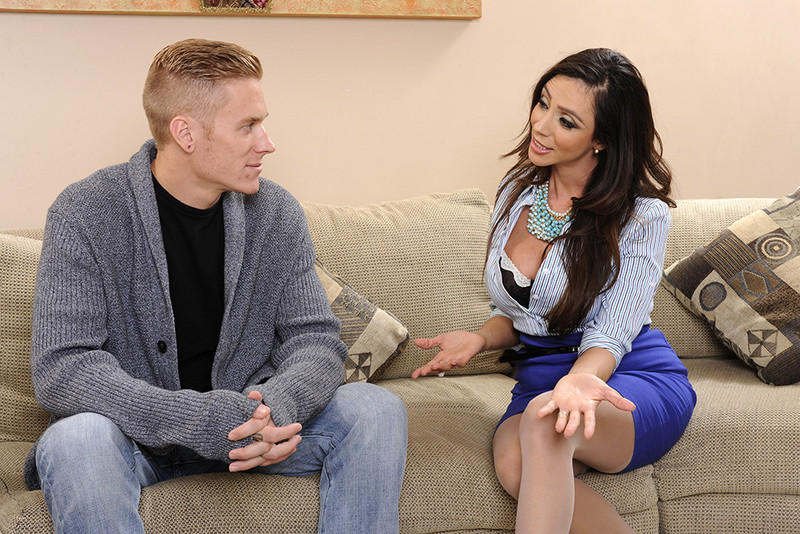 myfriendshotmom.com Ariella Ferrera and Cody Sky