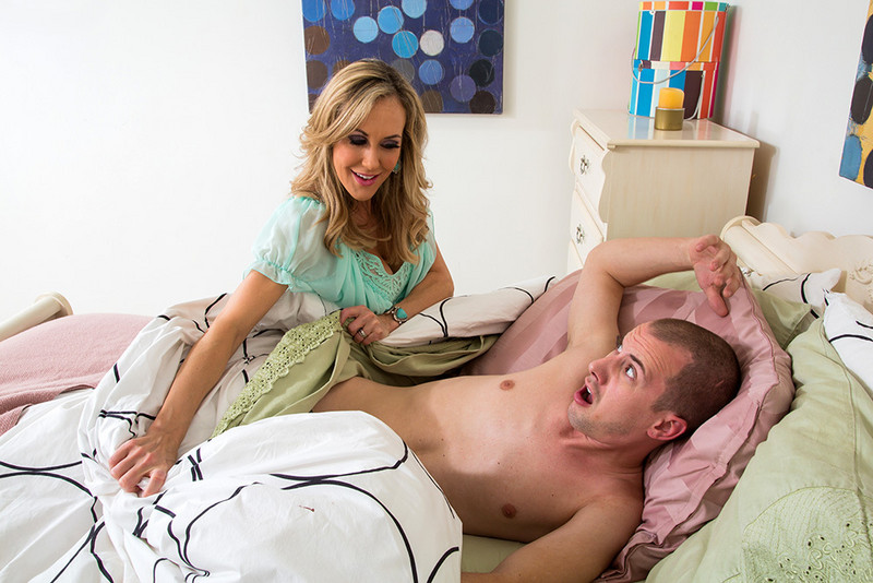 Brandi Love and Jessy Jones in myfriendshotmom