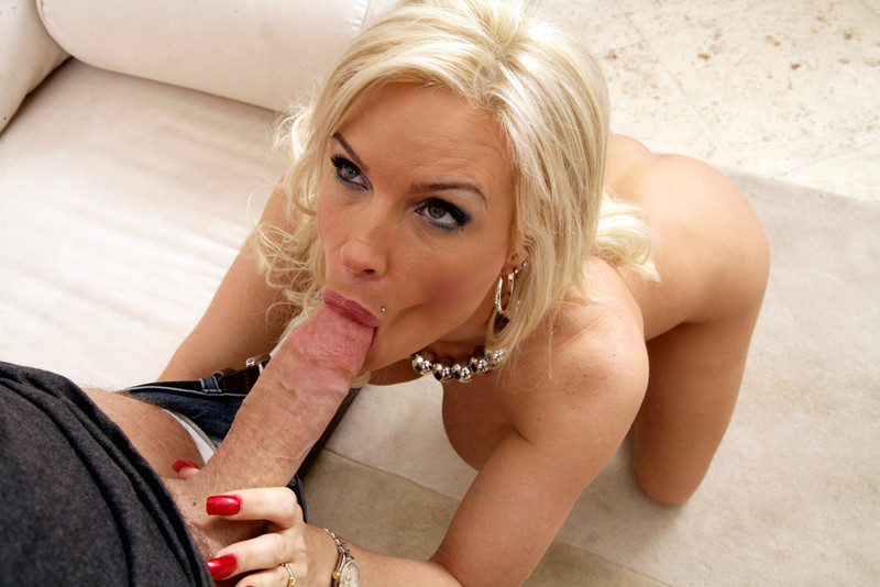 Petite, Michelle marsh deepthroat and deepthroating....the