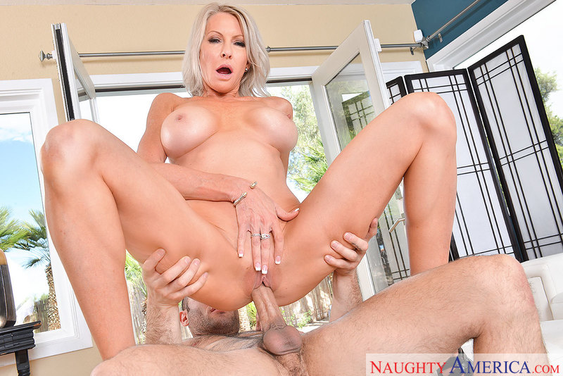 myfriendshotmom.com Emma Starr and Damon Dice