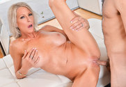 Emma Starr and Damon Dice in myfriendshotmom - Sex Position 2