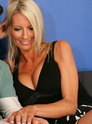 Emma Starr and Mikey Butders in myfriendshotmom - Centerfold
