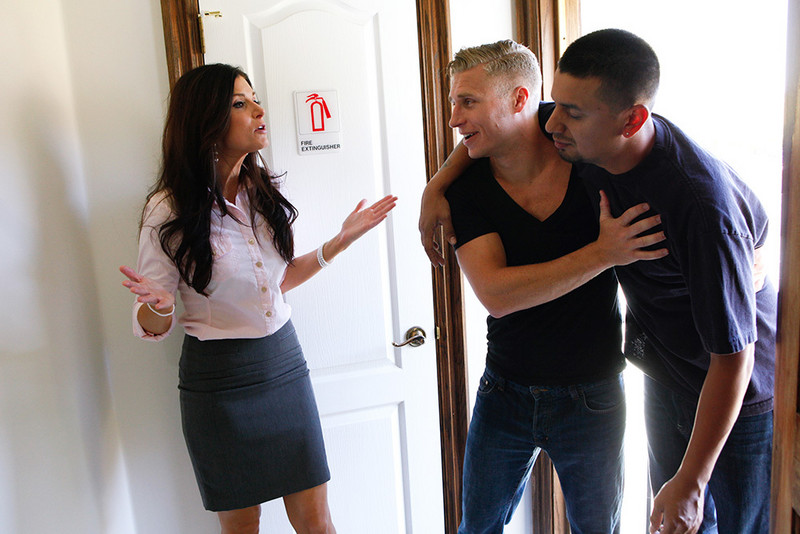 India Summer and Michael Vegas in myfriendshotmom