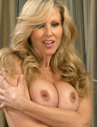 myfriendshotmom Julia Ann