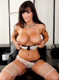 Lisa Ann in myfriendshotmom - Centerfold