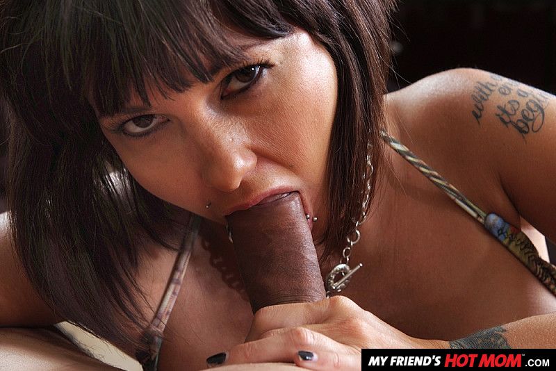 American Brunette In Black Carrie Annsucks A Dong And Gets Rammed